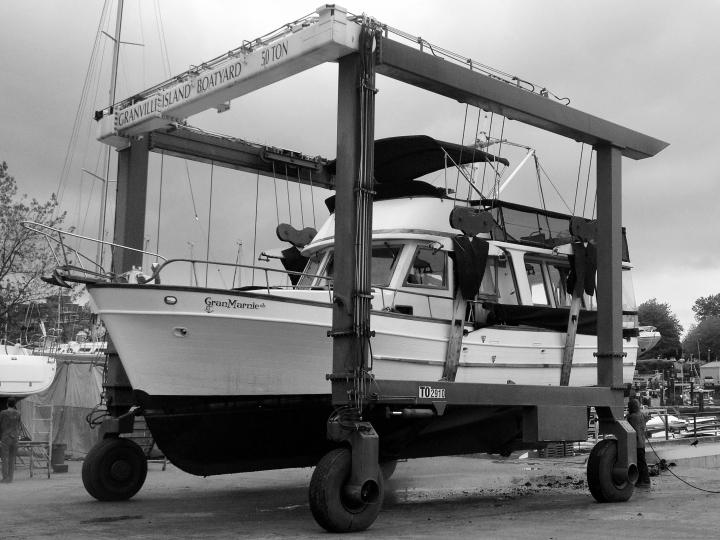 GIBY - boat lift (web)